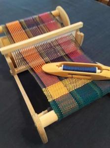 Heddle weaving loom,