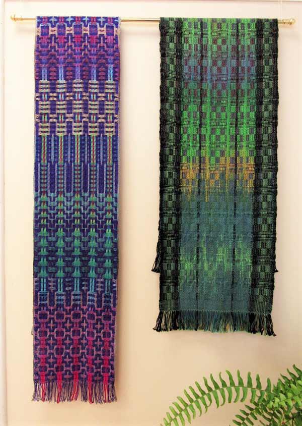 Sallie Olson and Linda Erickson, weaving
